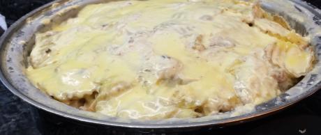Pollo Guisado en Salsa Blanca